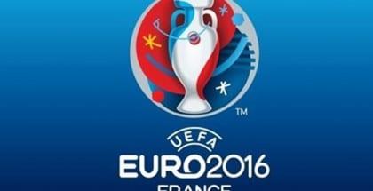 Danmark spås stadig gode chancer for at komme med til EM-slutrunden i Frankrig