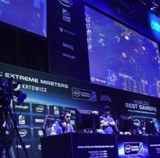 Spil på Intel Extreme Masters Katowice og få cashback hos Unibet